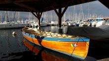 Dans le port de Thonon, bateau de sauvetage